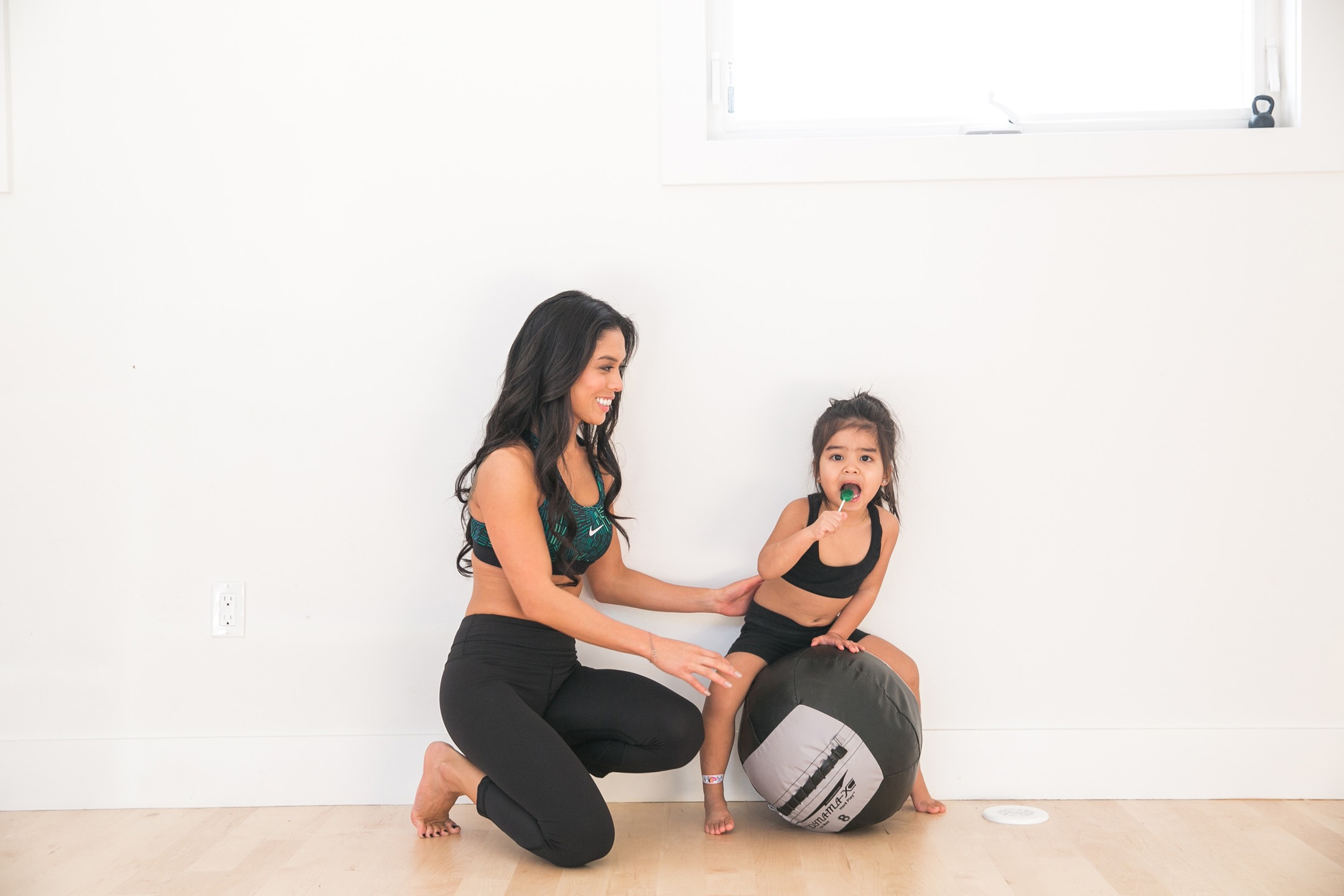 Mom workout. 21 day squat challenge