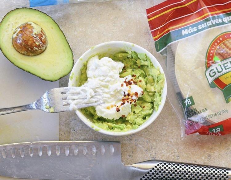3 healthy dip alternatives - guacamole