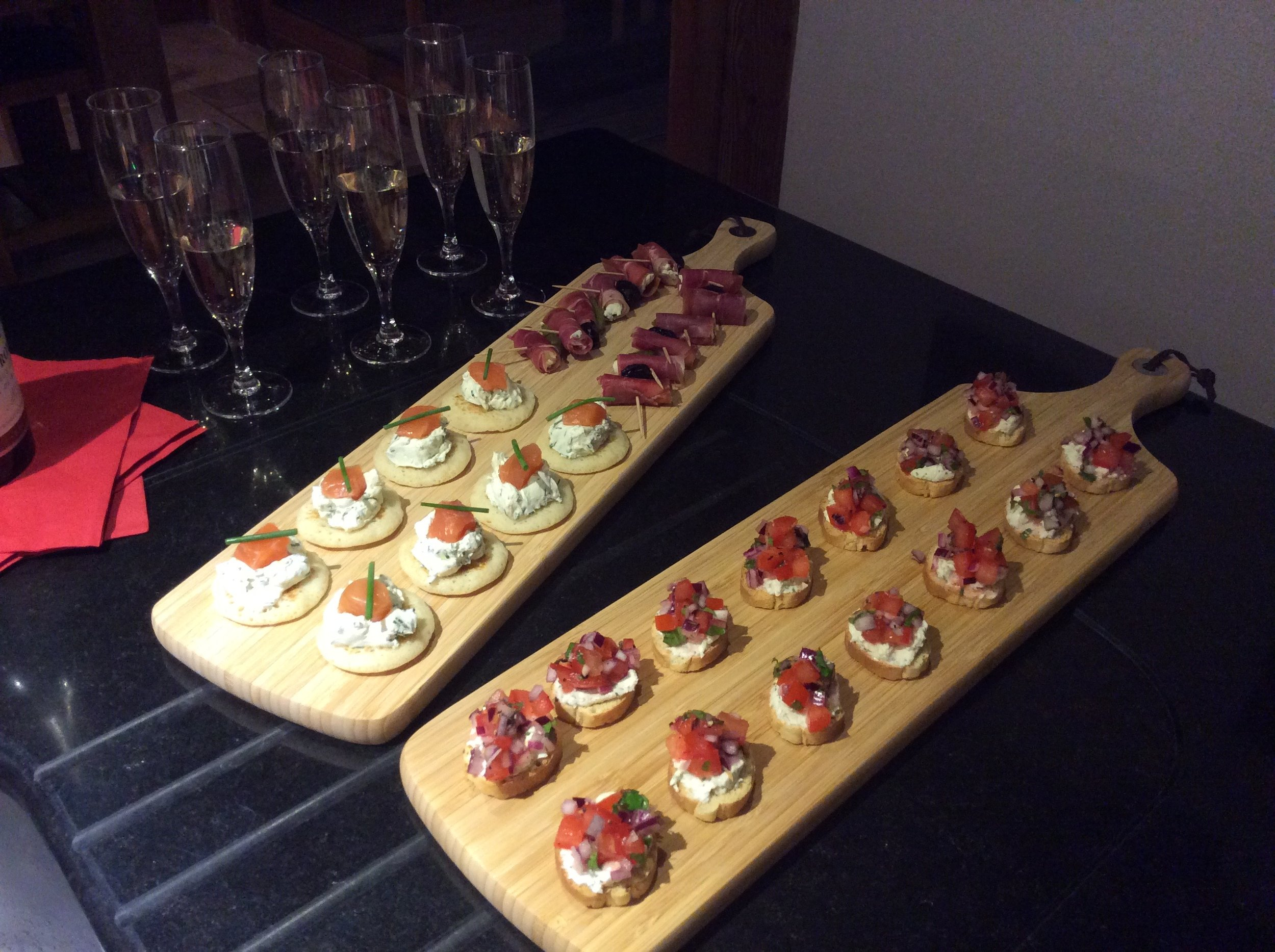 Welcome drink and canapés