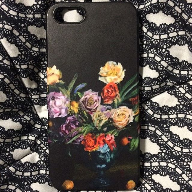 Love it when a #satisfiedcustomer shares their happiness about one of the products they purchased from my shop. Visit my shop via LINK in IG #iphone #iphonecover #tomfurey #tomfureyartist #buckscounty #buckscountyartist #fineart #artinlife #artproducts