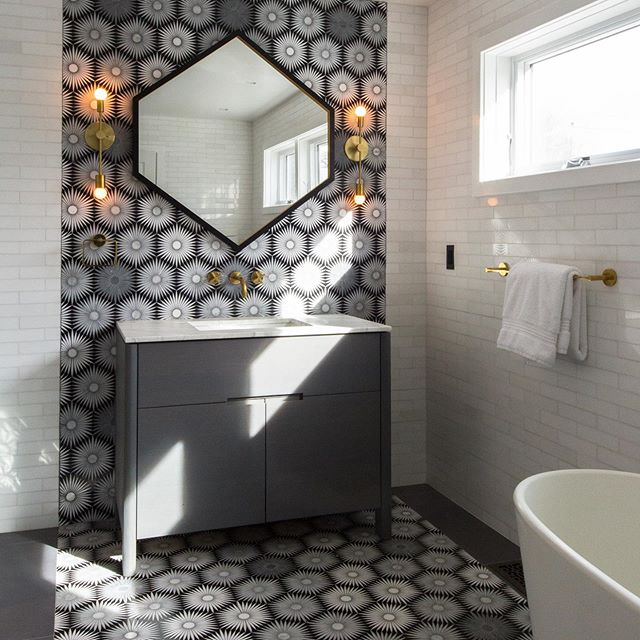 Loving how @strianesepew incorporated our Hex Mirror into this beautiful bathroom! 📷@meredithheuerphotog