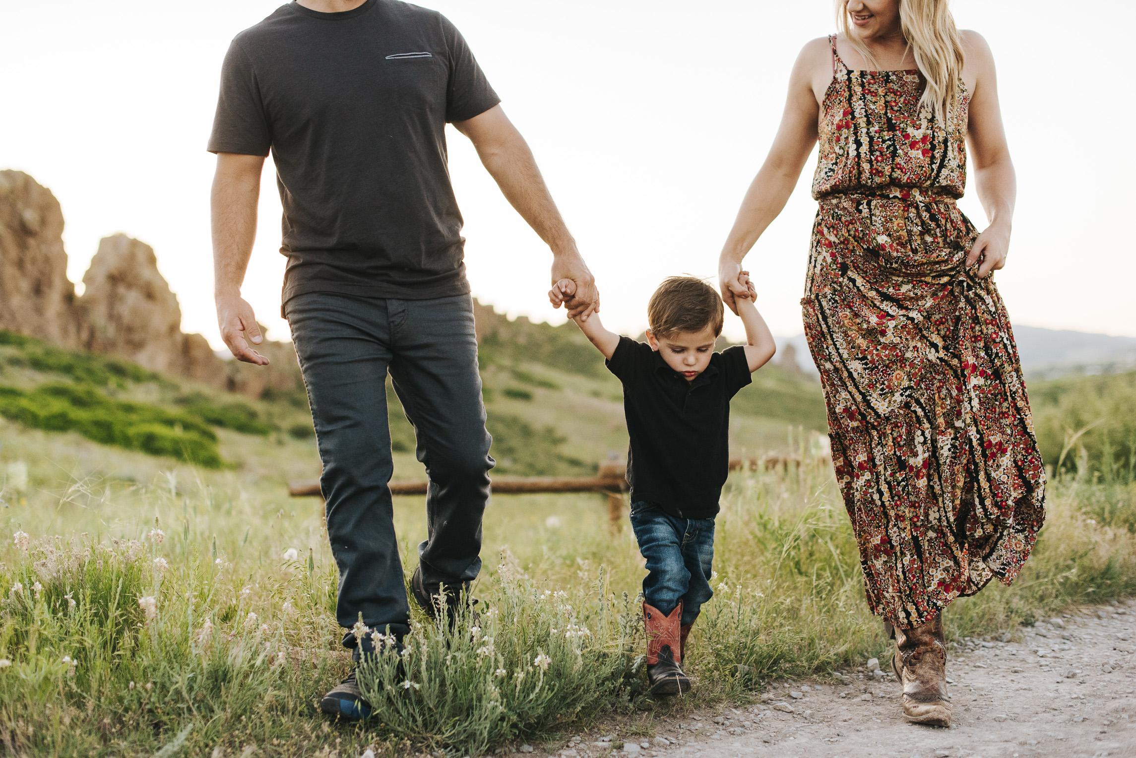 060716 webJAKE & MCKENNA FAMILY PHOTOS - COLORADO PHOTOGRAPHER - DEBI RAE PHOTOGRAPHY-5653.jpg