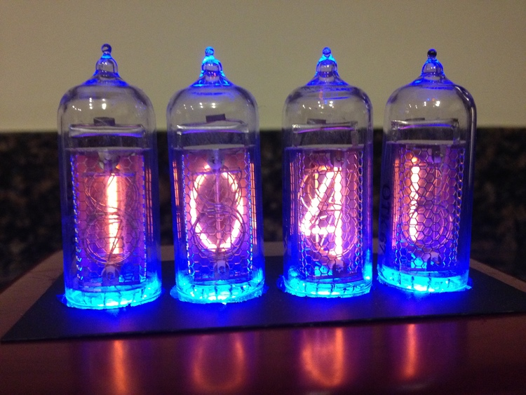 Another close up of the Nixie tubes.
