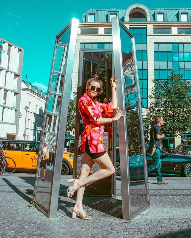 Just a quick photo shoot in #berlin . . . . . . #photoshoot #germany #colorful #summertime #bestofgermany #bestofeurope #ootd #kimono #vintage #loefflerrandall #miumiu #prada