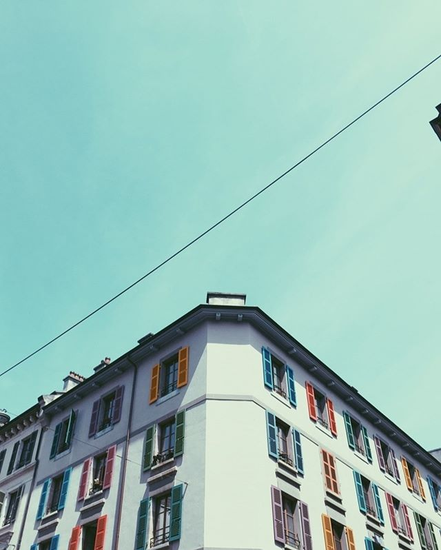 See the colors of the world, look up! ⠀⠀⠀⠀⠀⠀⠀⠀⠀ .⠀⠀⠀⠀⠀⠀⠀⠀⠀ .⠀⠀⠀⠀⠀⠀⠀⠀⠀ .⠀⠀⠀⠀⠀⠀⠀⠀⠀ .⠀⠀⠀⠀⠀⠀⠀⠀⠀ .⠀⠀⠀⠀⠀⠀⠀⠀⠀ .⠀⠀⠀⠀⠀⠀⠀⠀⠀ .⠀⠀⠀⠀⠀⠀⠀⠀⠀ #geneva #switzerland #swiss