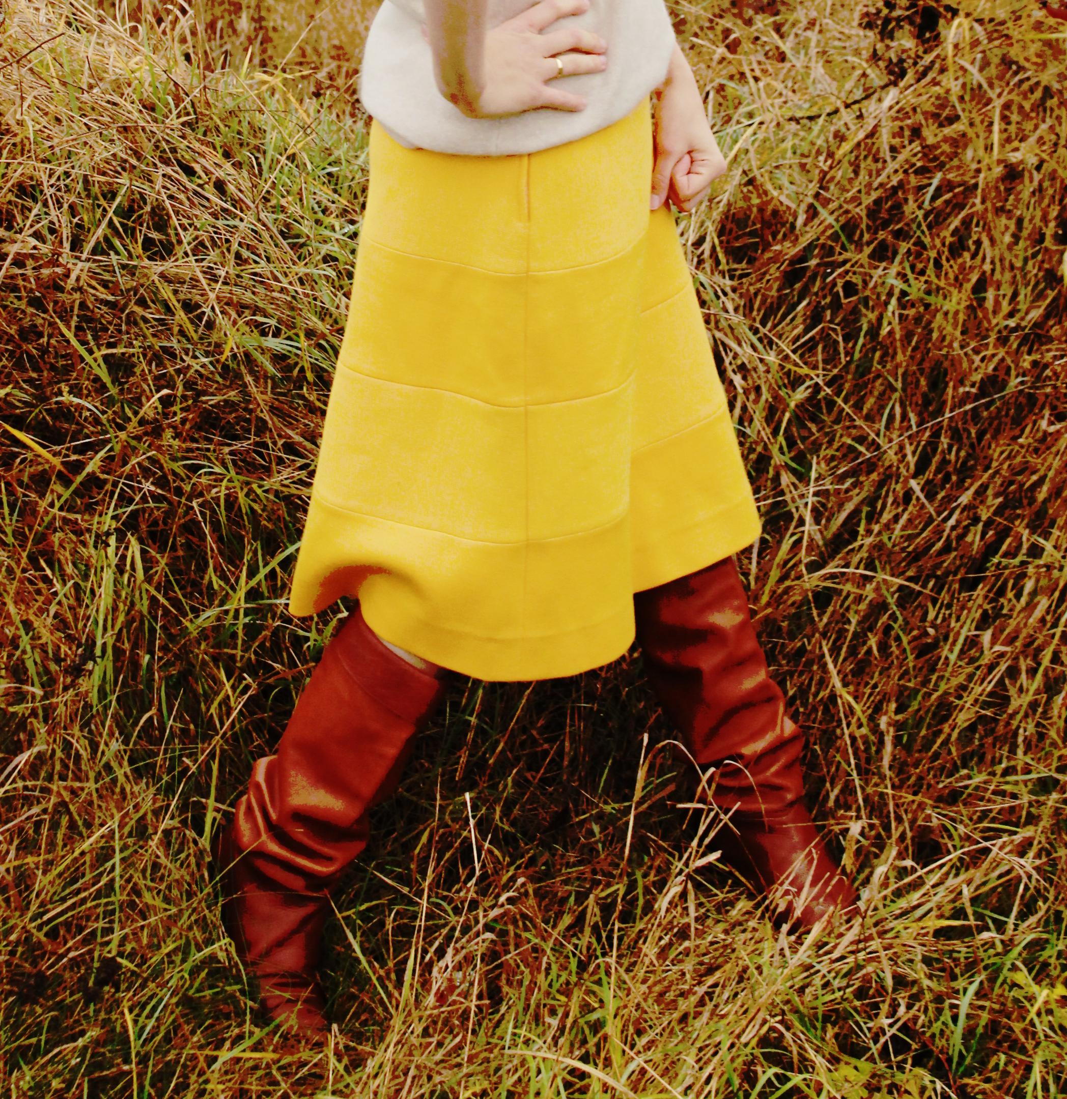 yellow skirt3.JPG