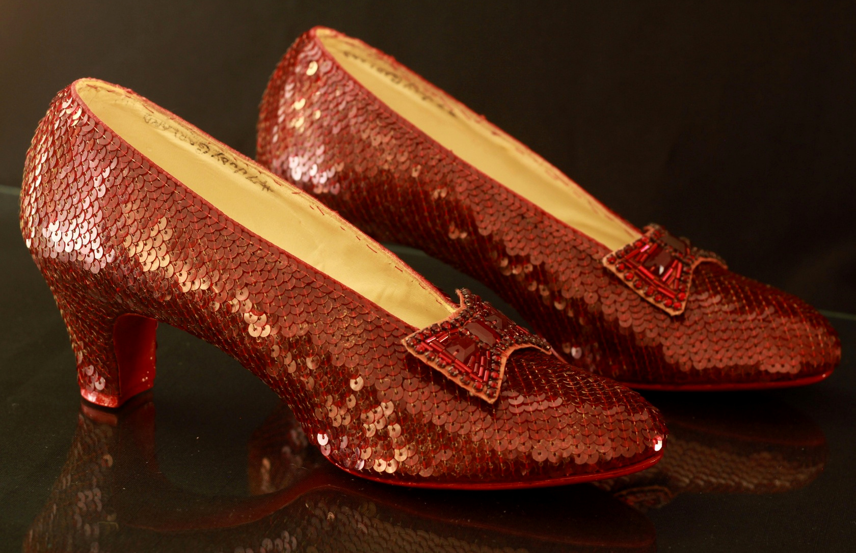 The-Wizard-of-Oz-Ruby-Slippers-3.jpg