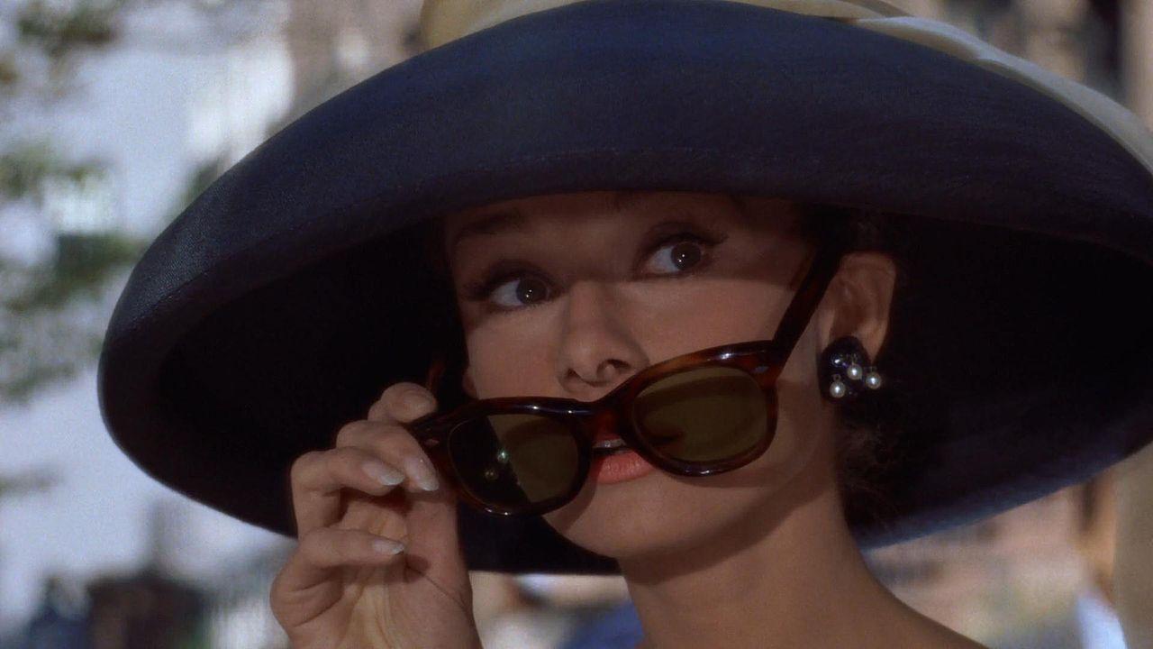 audrey hepburn okulary kapelusz