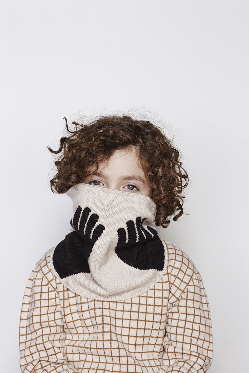 Tinycottons-AW16-Hands-Buff-Knit-Scarf-And-Grid-Knit-Sweater.jpg