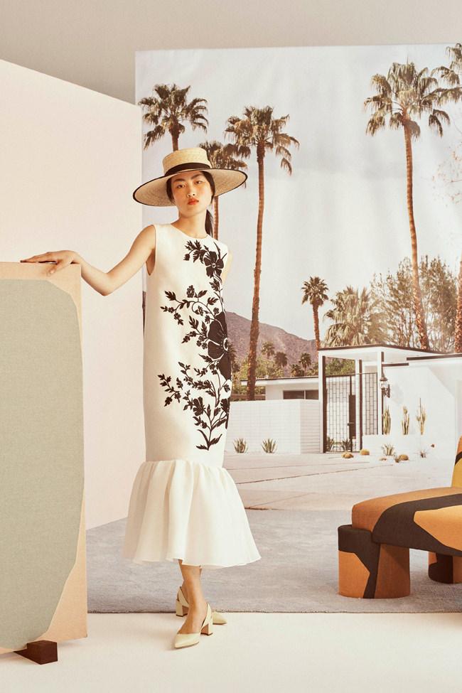 Carolina-Herrera-Resort-2019-Collection-MAIN-Fashion-Tom-Lorenzo-Site-2.jpg