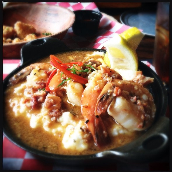 The Shrimp n Grits ..... Yes its LOADED with Gravy....