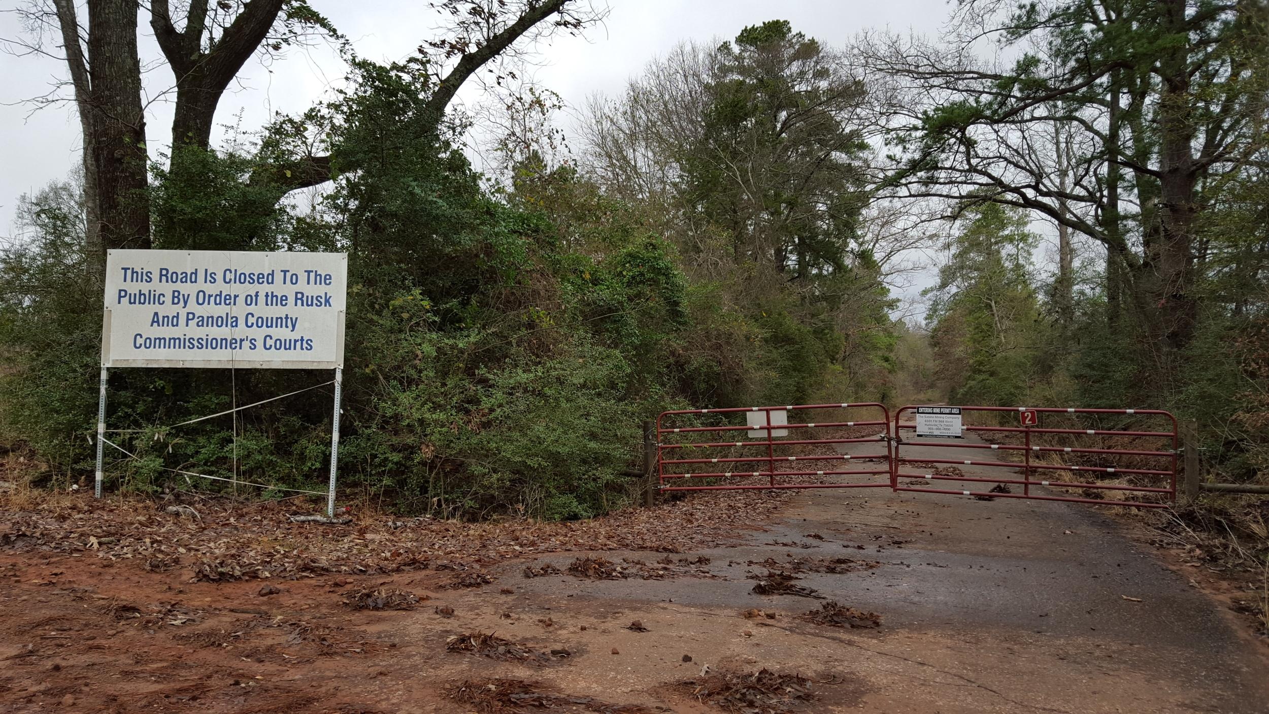 Road to Hendricks Lake closed for lignite mining