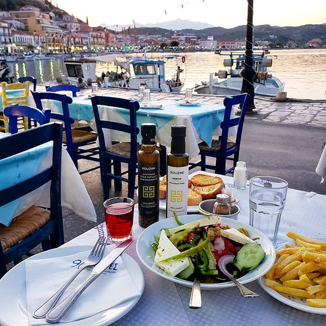 Taking Kouzini seaside today! Salad, french fries cooked in olive oil and homemade wine! . . #kouzini #salad #greece #fresh #greek #mediterranean #homemade #summer #gytheio #love #chef #foodie #instapic #instafood #pasta #natural #potd #travel #frenchfries #health #organic #inspire #fit #fitness #healthy #health #greens #vinegar #feta #outside . . To your health  Kouzini  www.kouzini.com