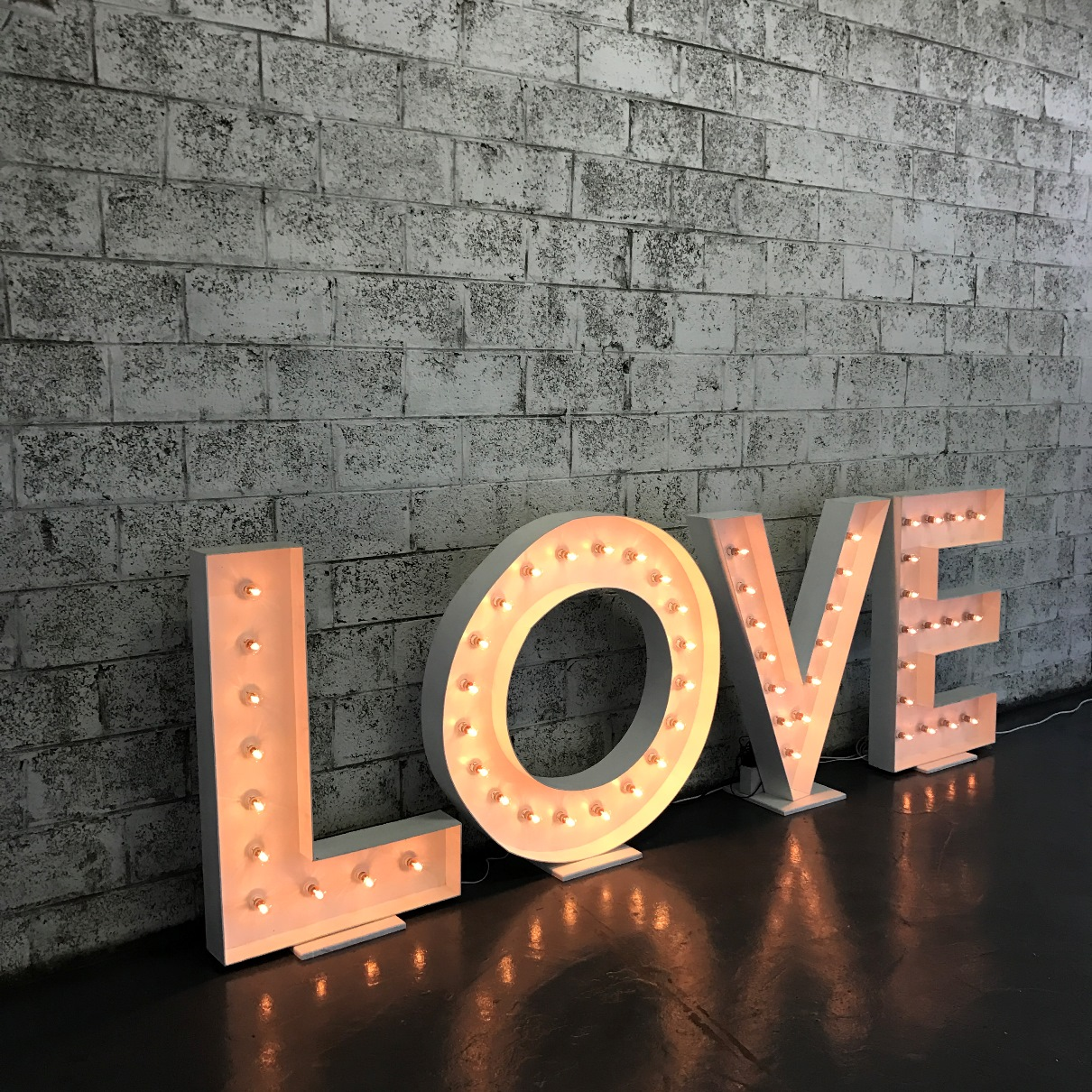 Marquee Letters LOVE 4.JPG