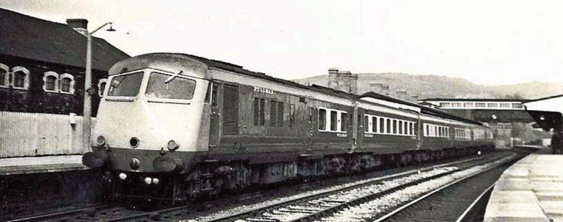 Much interest was shown in last month's photograph of a Blue Pullman at Cardiff General. This shot shows the South Wales Pullman at Neath General,  en route  to Swansea High Street, in June 1967. Photographed by Hugh Llewelyn and acknowledged with thanks [Wiki Commons].
