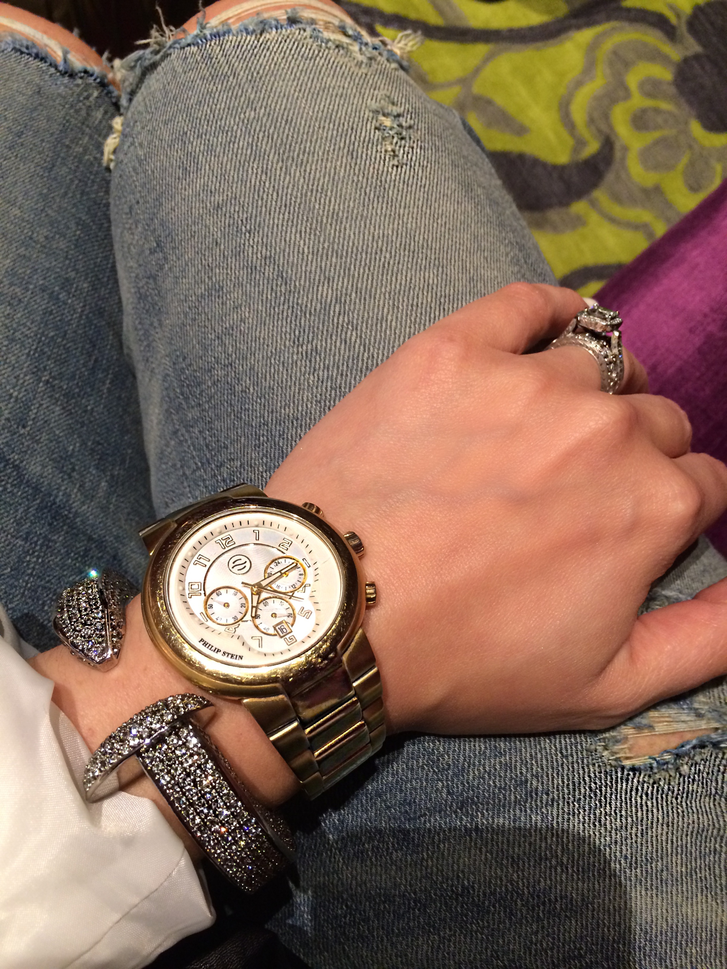 Mix your metals and stack it up! This statement bracelet dressed up my outfit; taking it from day to night.