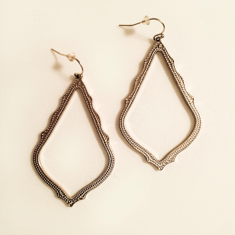 Kendra Scott Sophee earrings  here