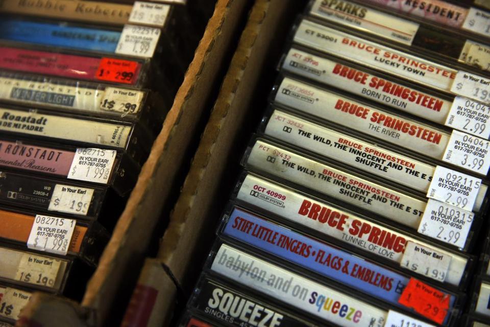 cassettetapes06[1].jpg