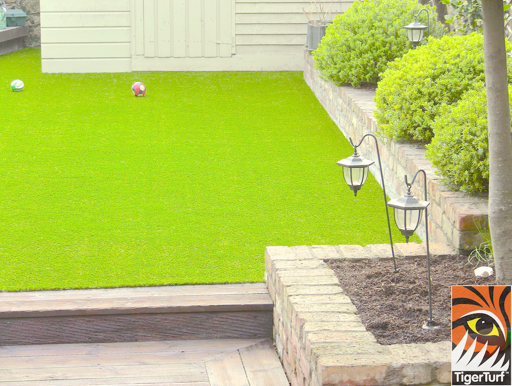 TigerTurf Finesse Lawn turf