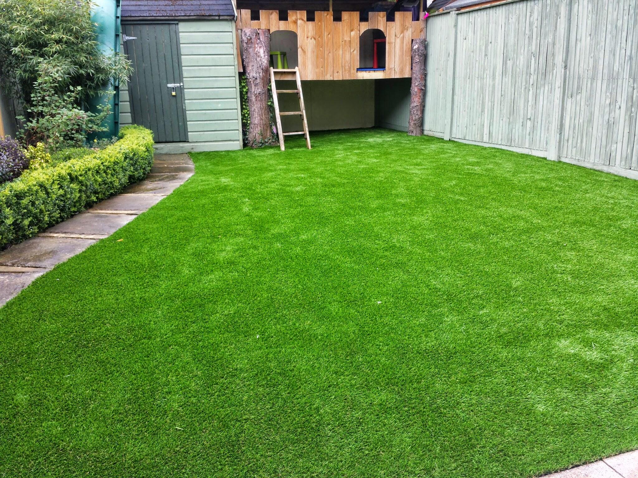 Green TigerTurf Lawn