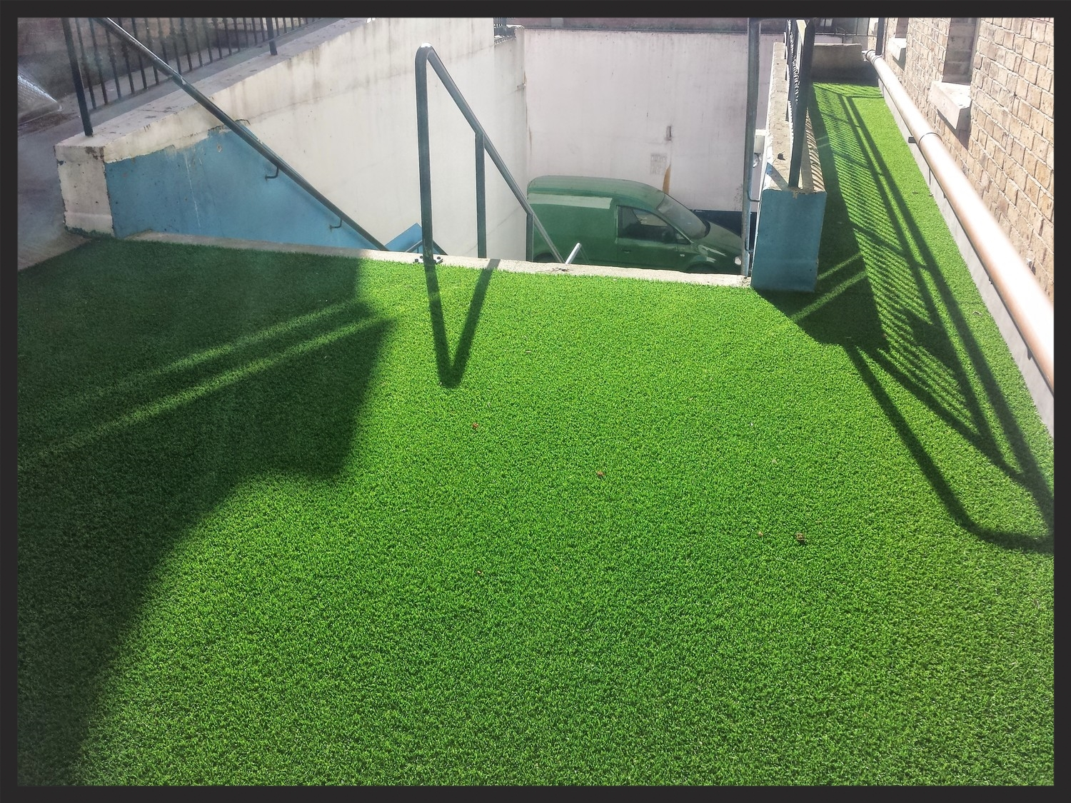 corporate hotel Grass installations