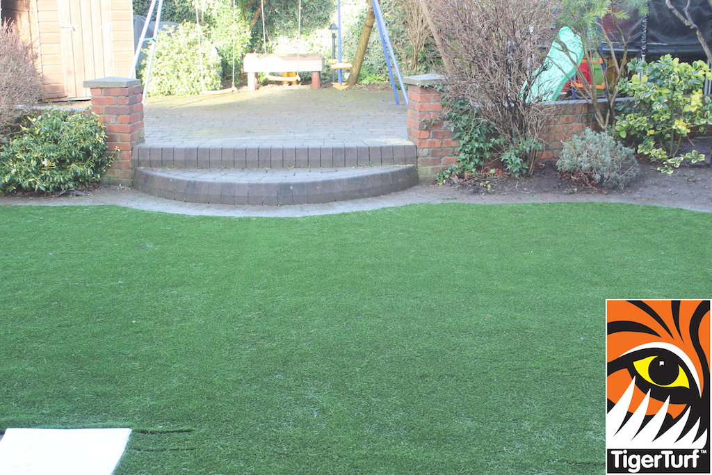 synthetic grass in family garden 51.jpg