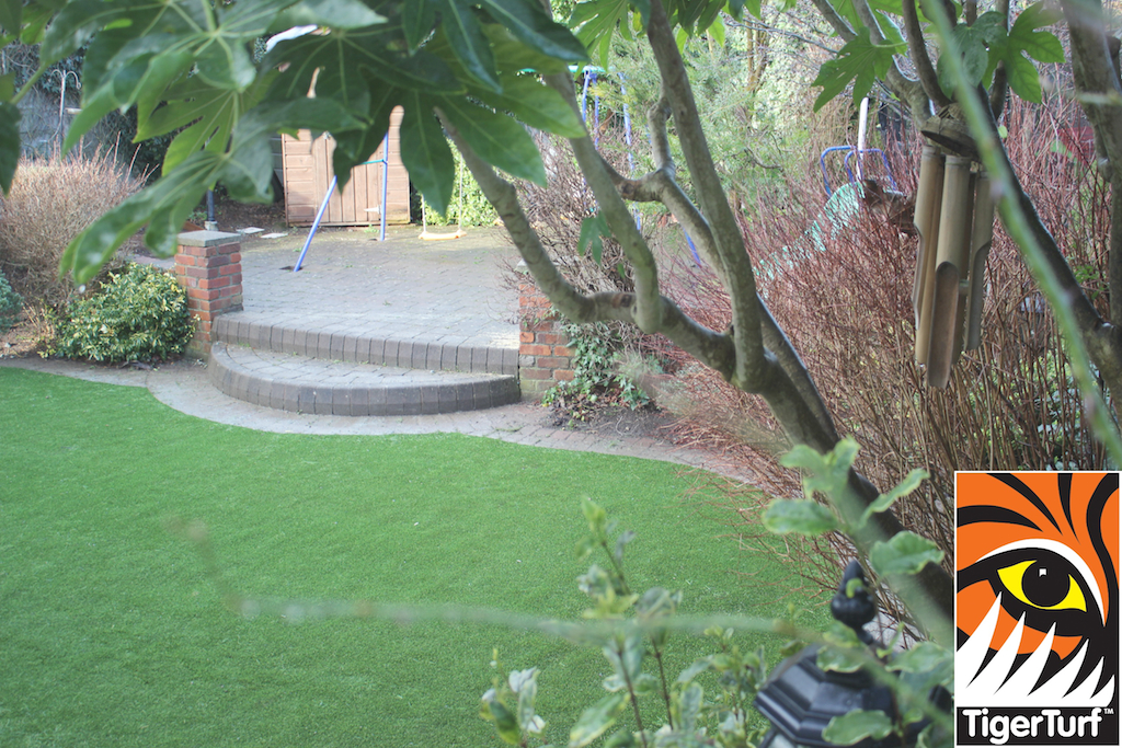 synthetic grass in family garden 81.jpg