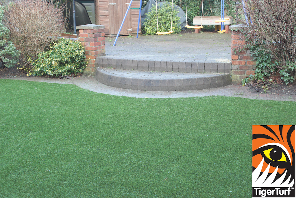 synthetic grass in family garden 39.jpg
