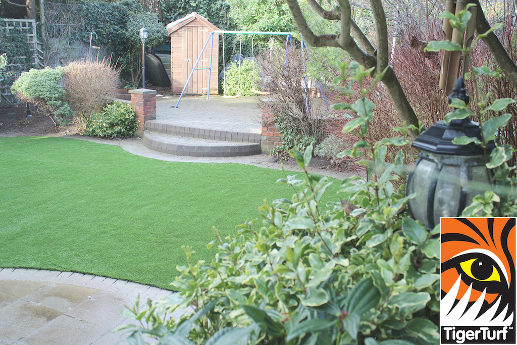 synthetic grass in family garden 103.jpg