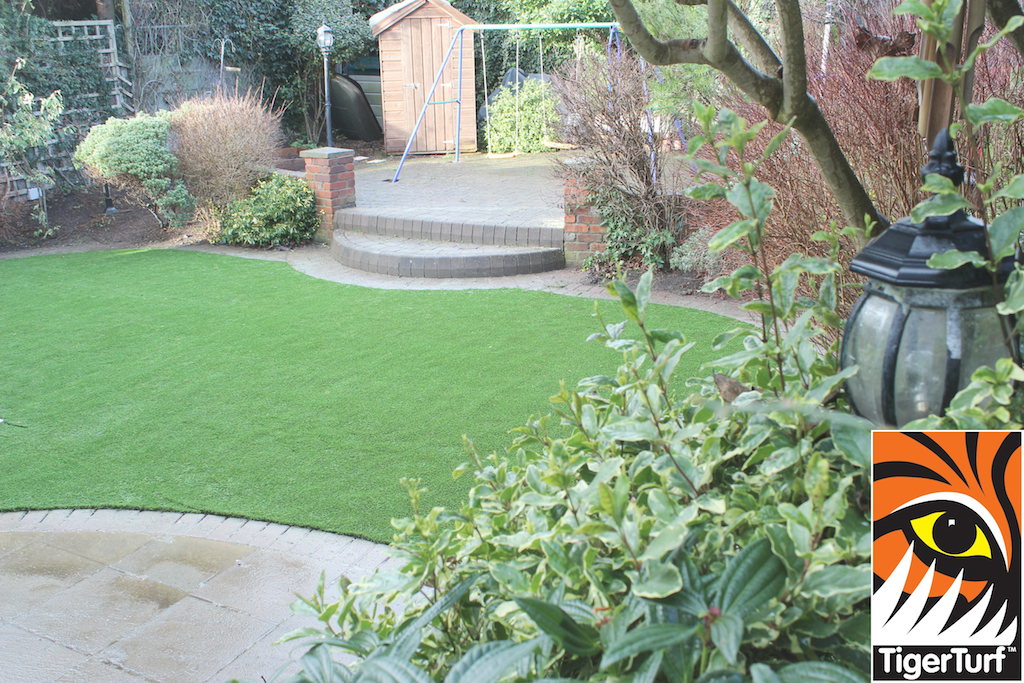 synthetic grass in family garden 108.jpg