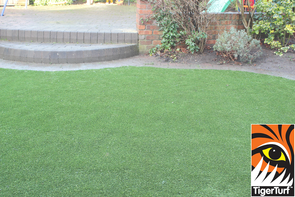 synthetic grass in family garden 56.jpg