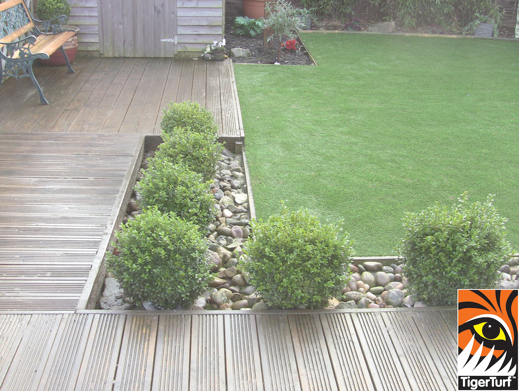 TigerTurf Lawn and garden deck