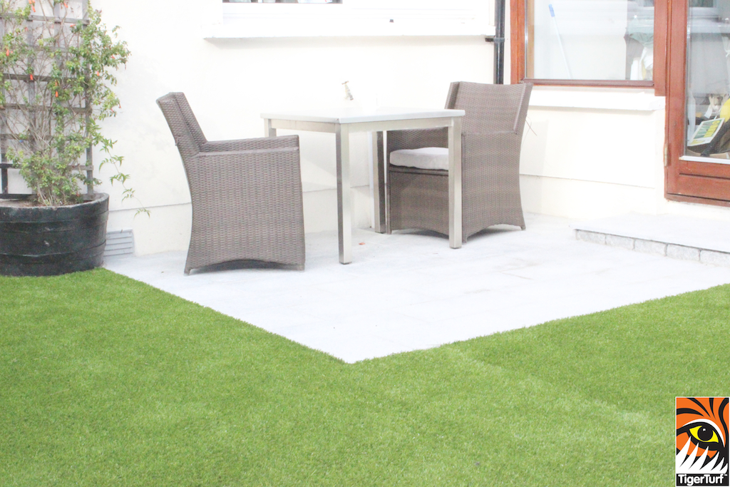 synthetic turf and patio