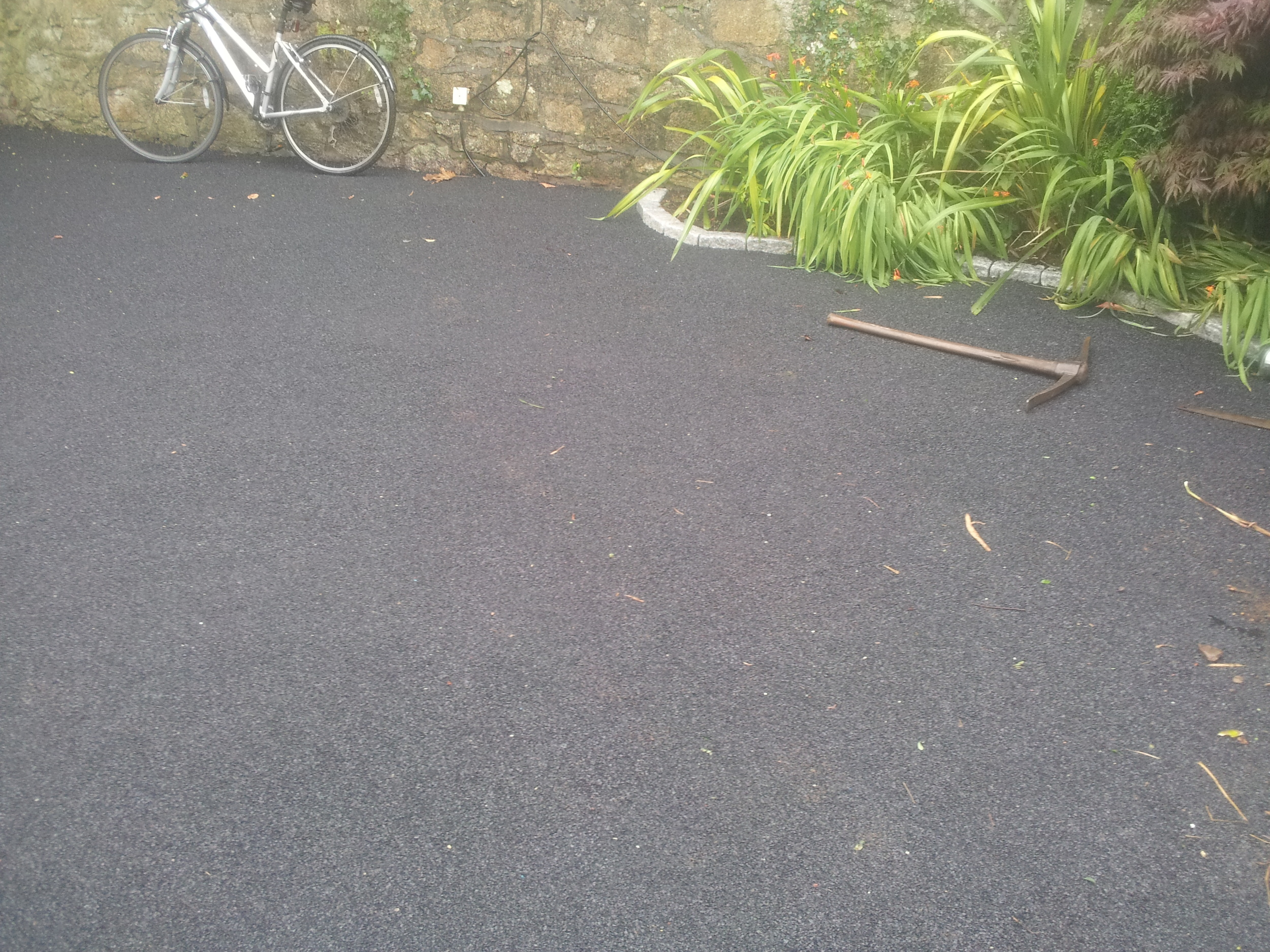Crumb rubber soft surface