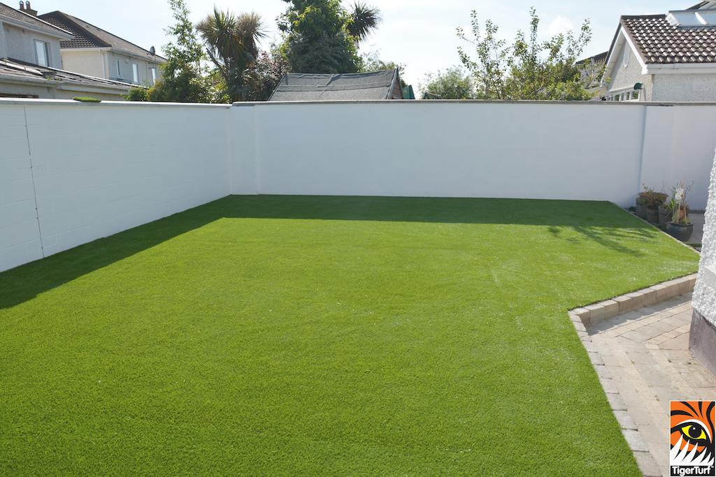 TigerTurf Lawn in a suburban garden