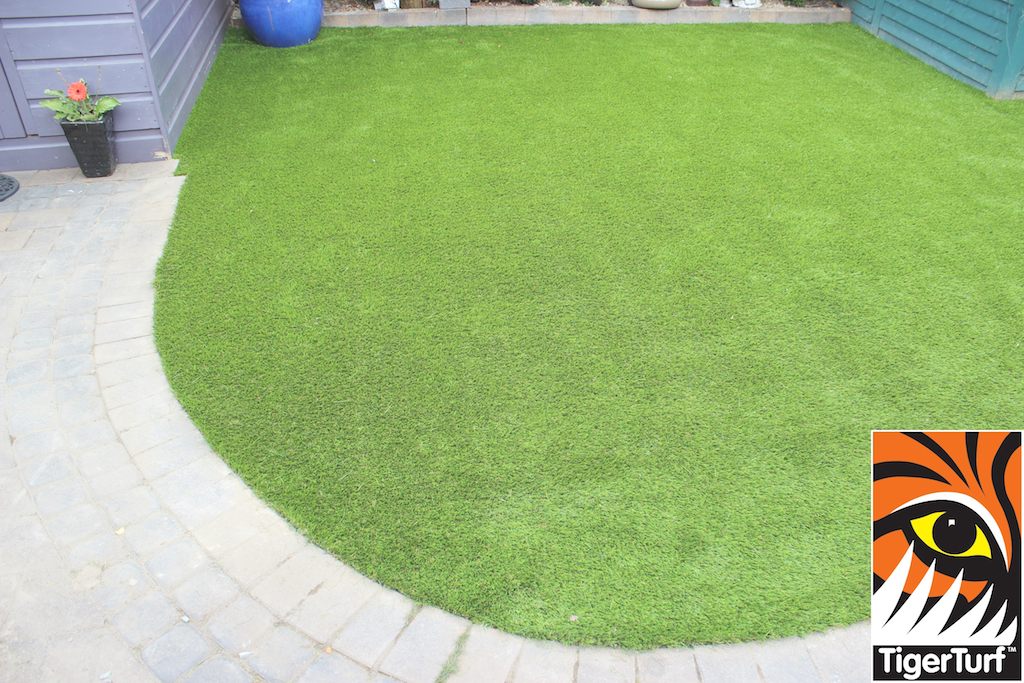 synthetic grass in family garden 96.jpg