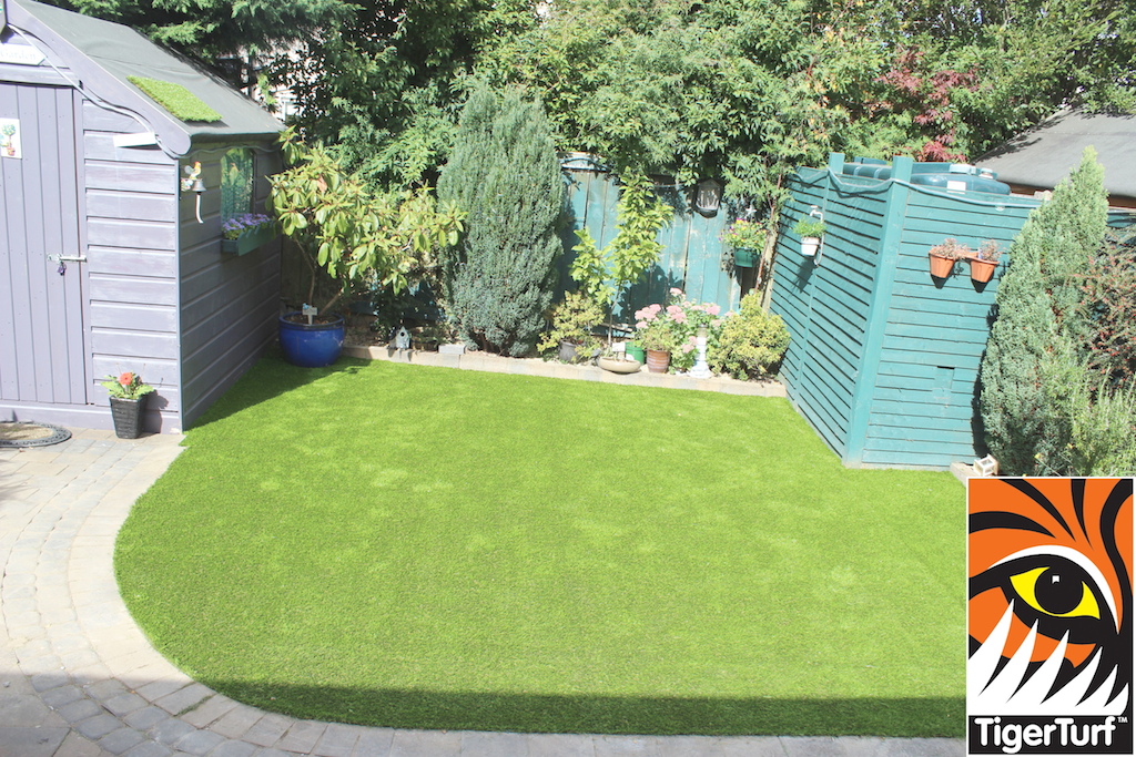 synthetic grass in family garden 105.jpg
