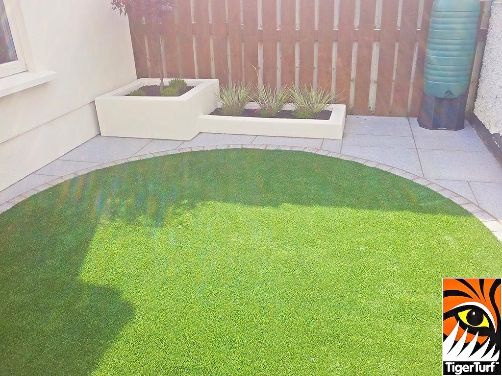 Round Garden Lawn