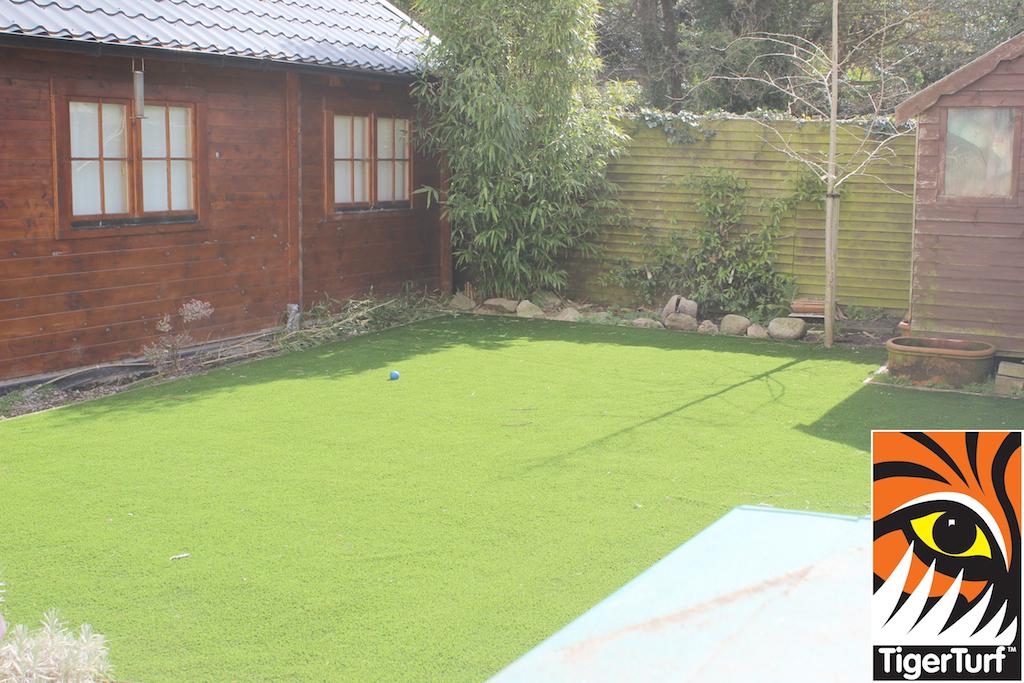 synthetic grass in family garden 27.jpg