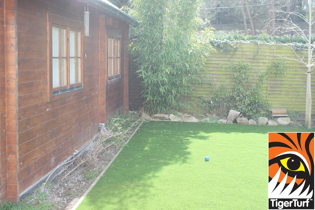 synthetic grass in family garden 16.jpg