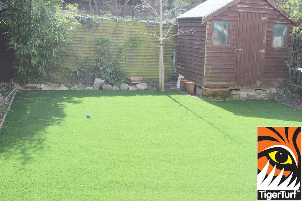 synthetic grass in family garden 19.jpg