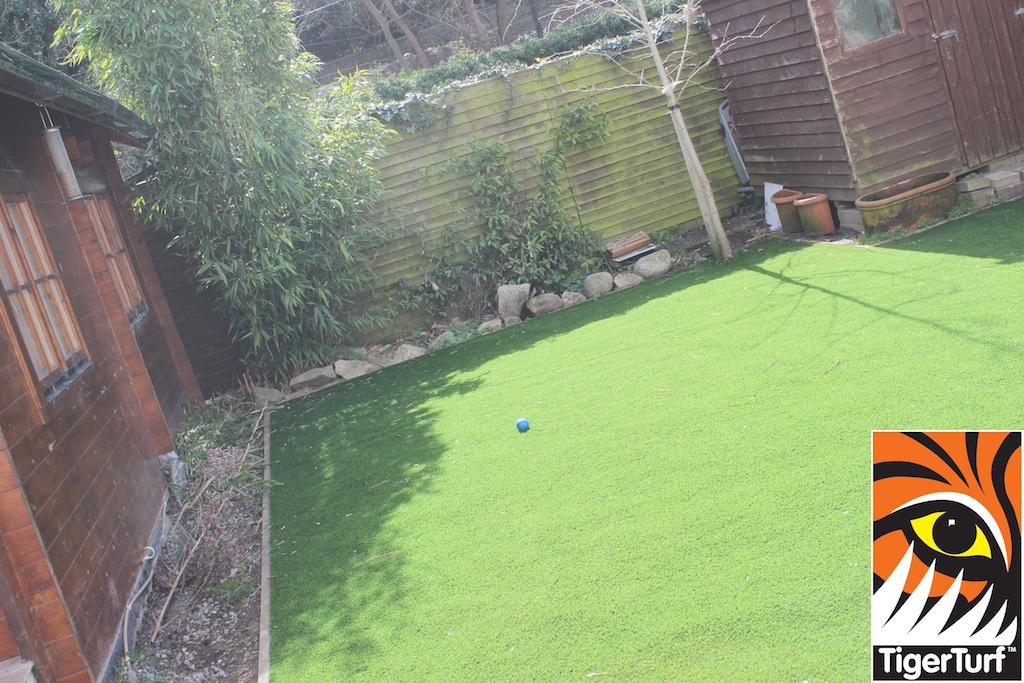 synthetic grass in family garden 18.jpg