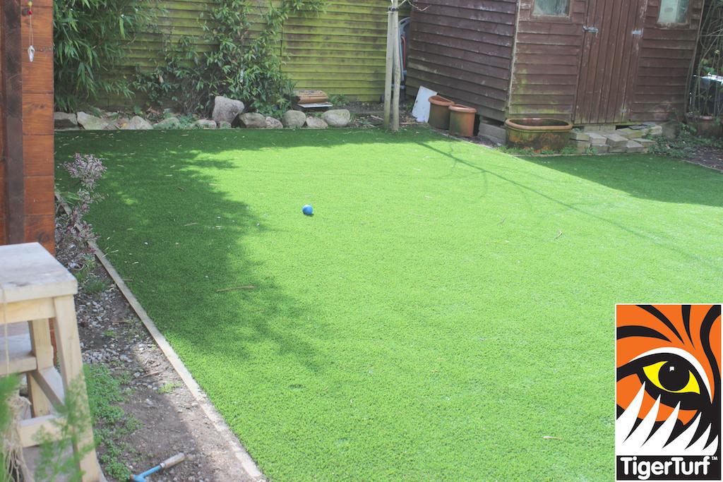 synthetic grass in family garden 23.jpg