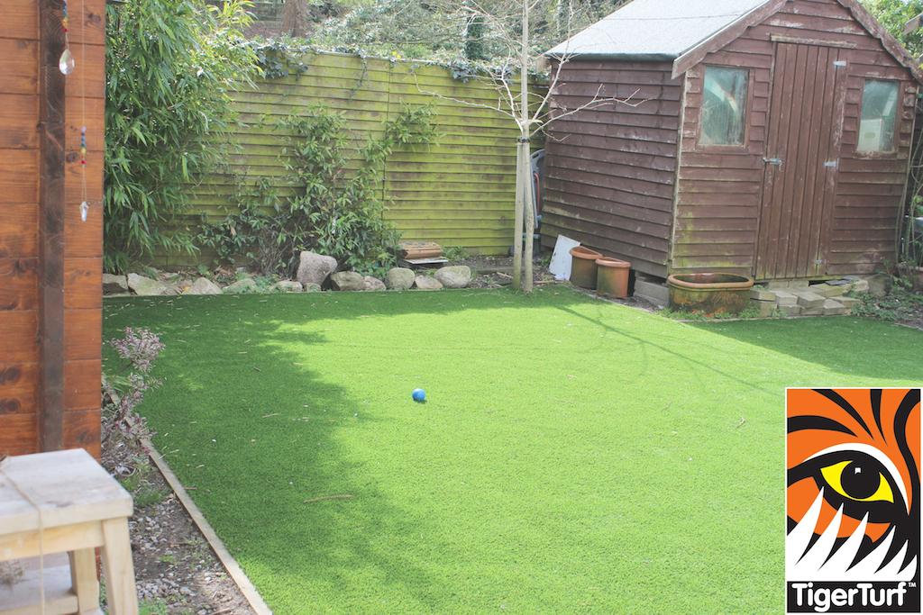 synthetic grass in family garden 24.jpg