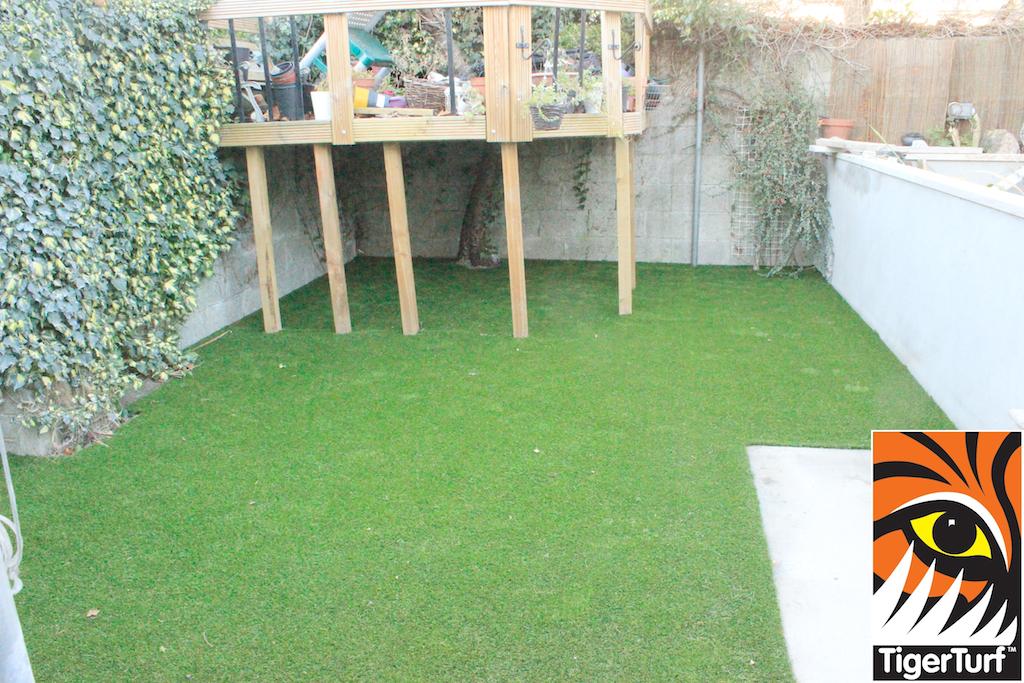 synthetic grass in family garden 34.jpg