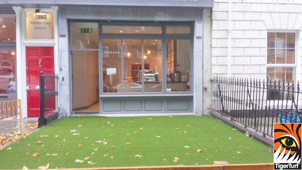 synthetic grass dublin cafe 7.jpg
