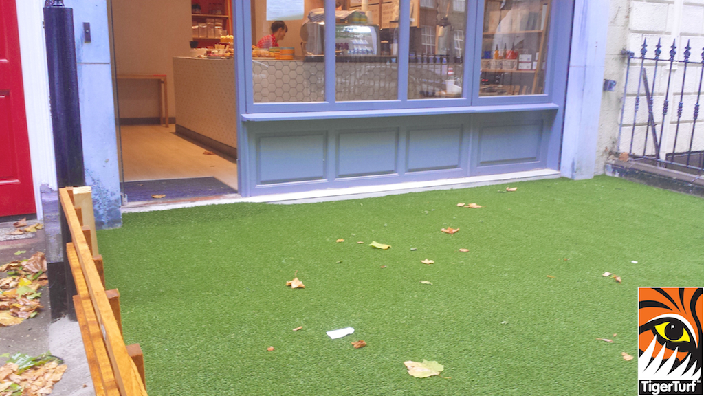 synthetic grass dublin cafe 3 (1).jpg