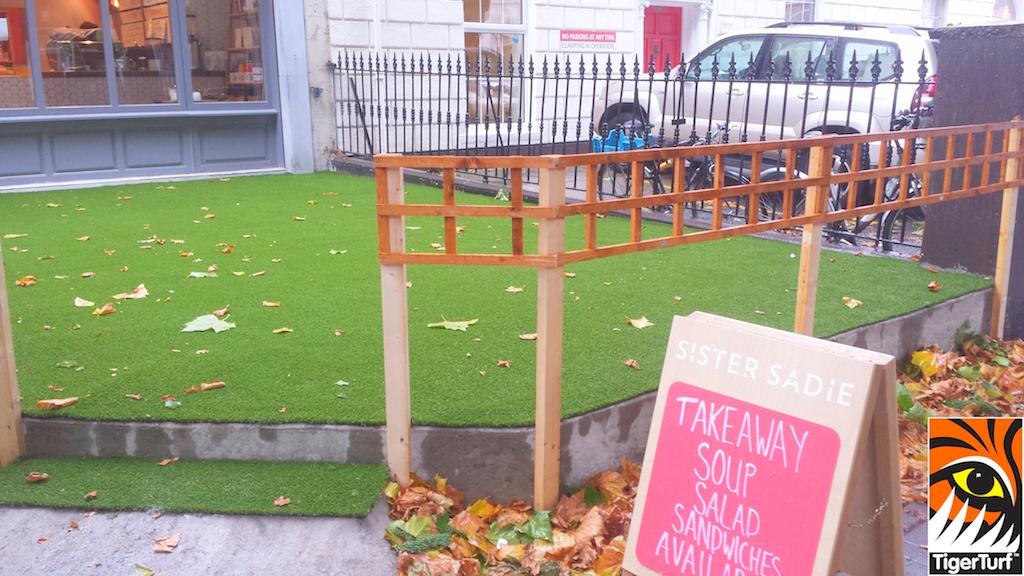 synthetic grass dublin cafe 6.jpg