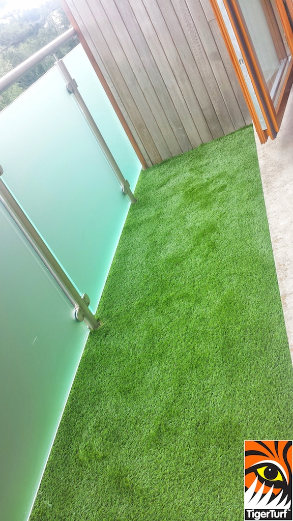 TigerTurf Finesse Deluxe Balcony install