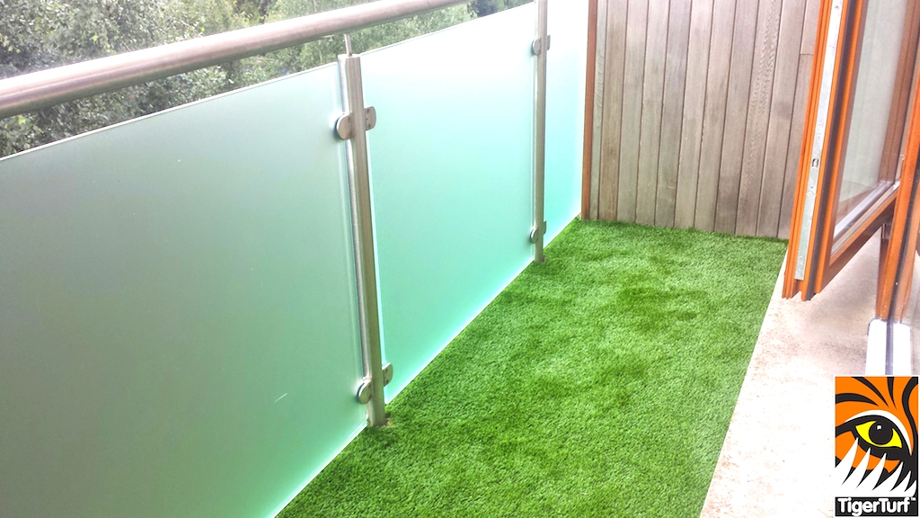new Synthetic grass installation on balcony